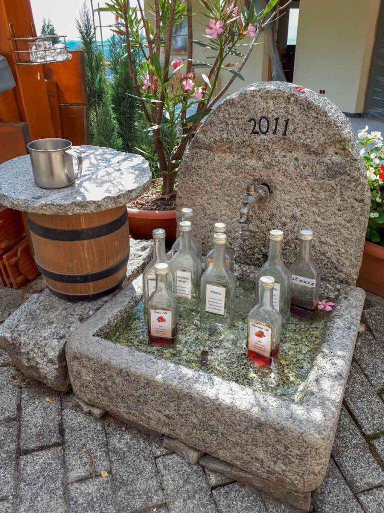 Schnapsbrunnen am Kohlerhof in Lautenbach