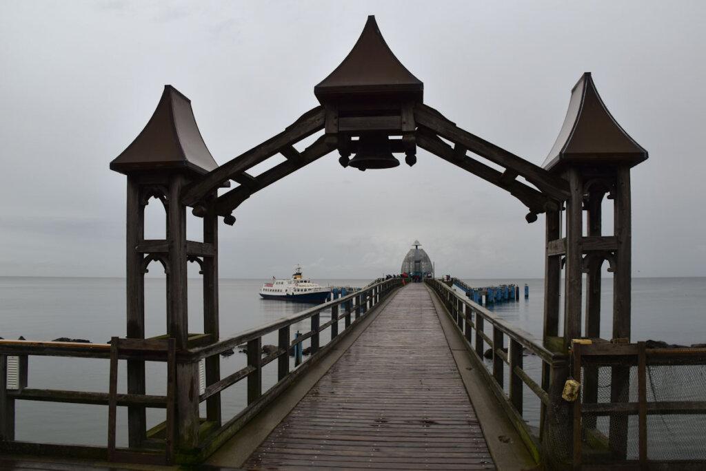 Regnerischer Start unserer Bootstour zu den Kreidefelsen Rügen