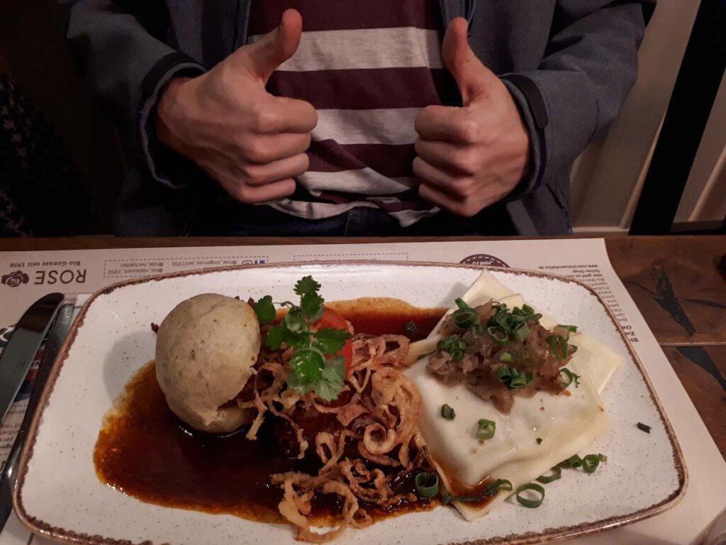 """Vom Sohn für gut befunden: Das """"Schwäbische Highlight"""" in der Heimatküche Bechingen"""