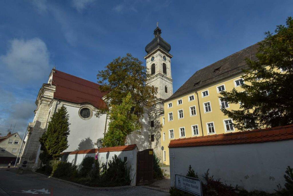 Stadtspaziergang durch die Bierkulturstadt Ehingen: Die Konviktskirche