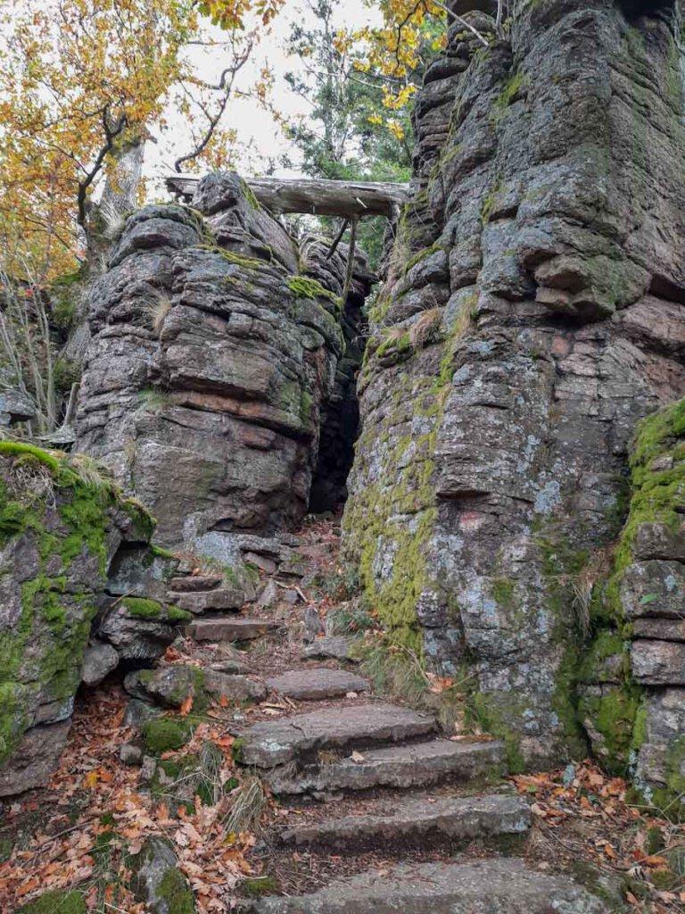 Die Felsentreppe zur Felsenbrücke an den Batttertfelsen