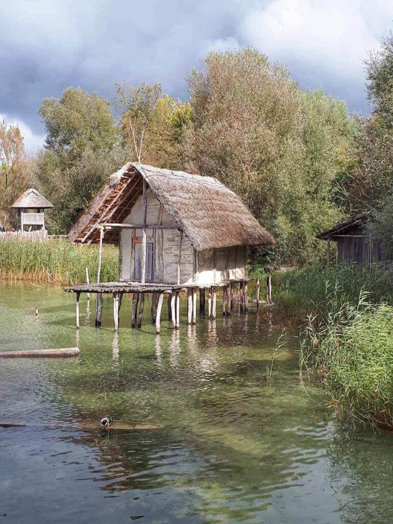 Zeitreise im UNESCO Weltkulturerbe Pfahlbauten am Bodensee