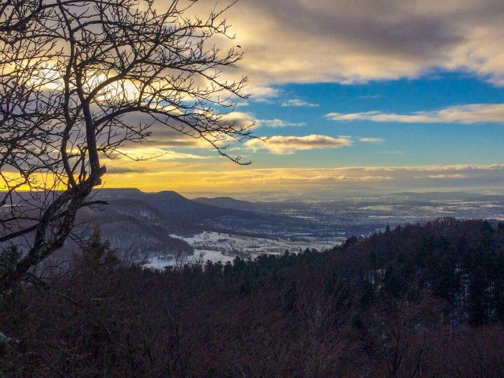 Atemberaubend schön: Sonnenuntergang auf dem Roßberg