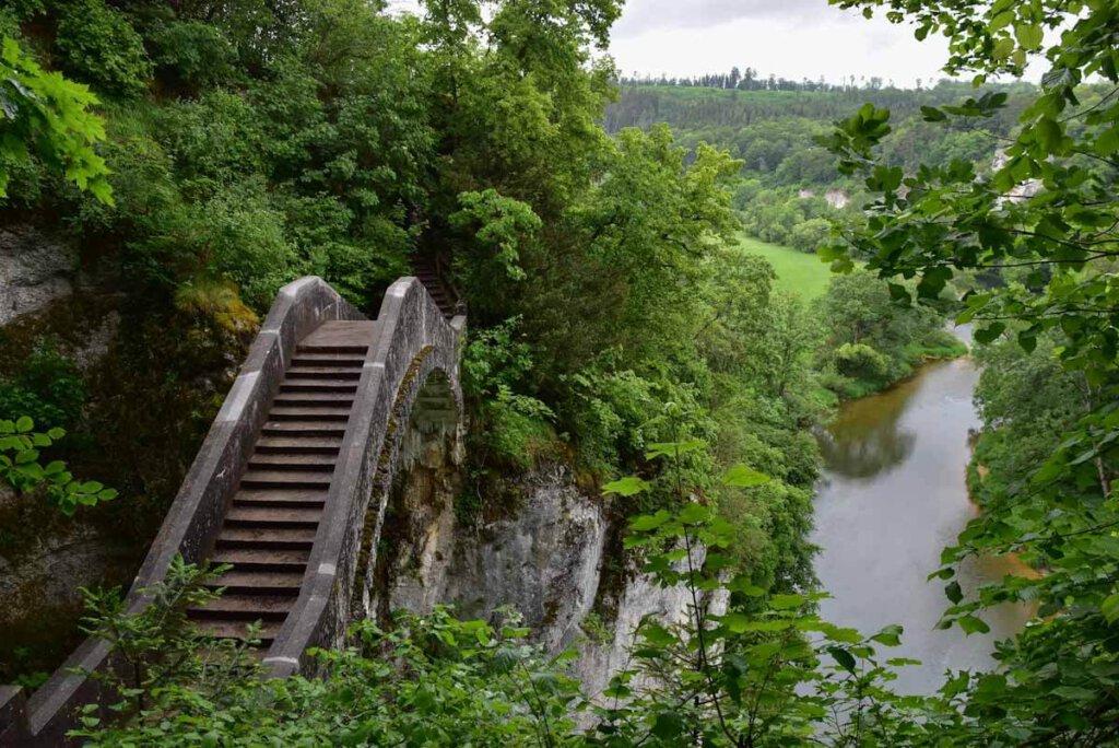 Die sagenumwobene Teufelsbrücke im Fürstlichen Park Inzigkofen