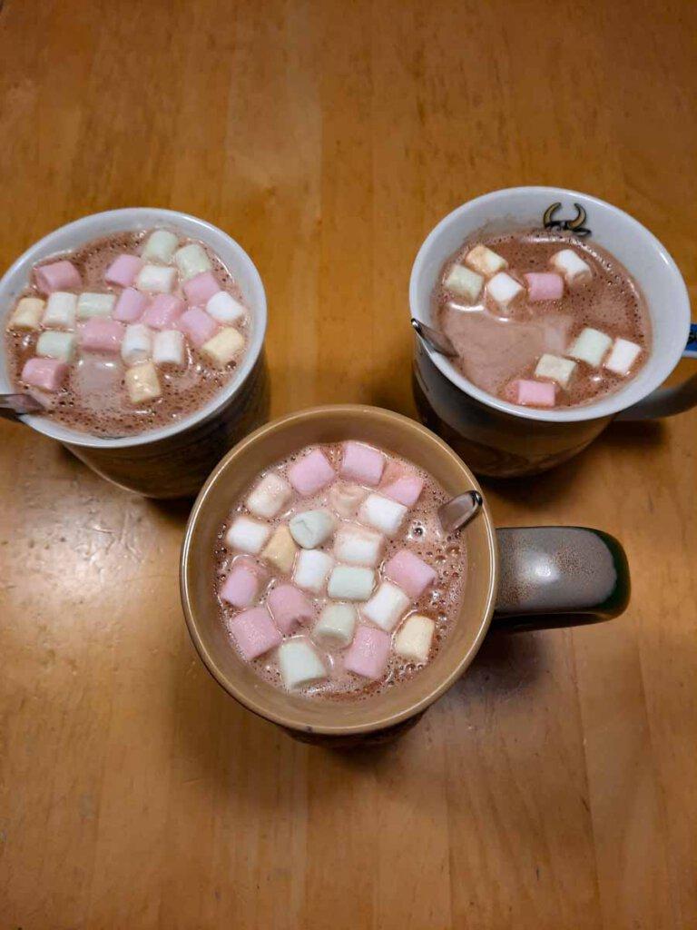 Seelentröster schlechthin: Heiße Schokolade mit Marshmallows