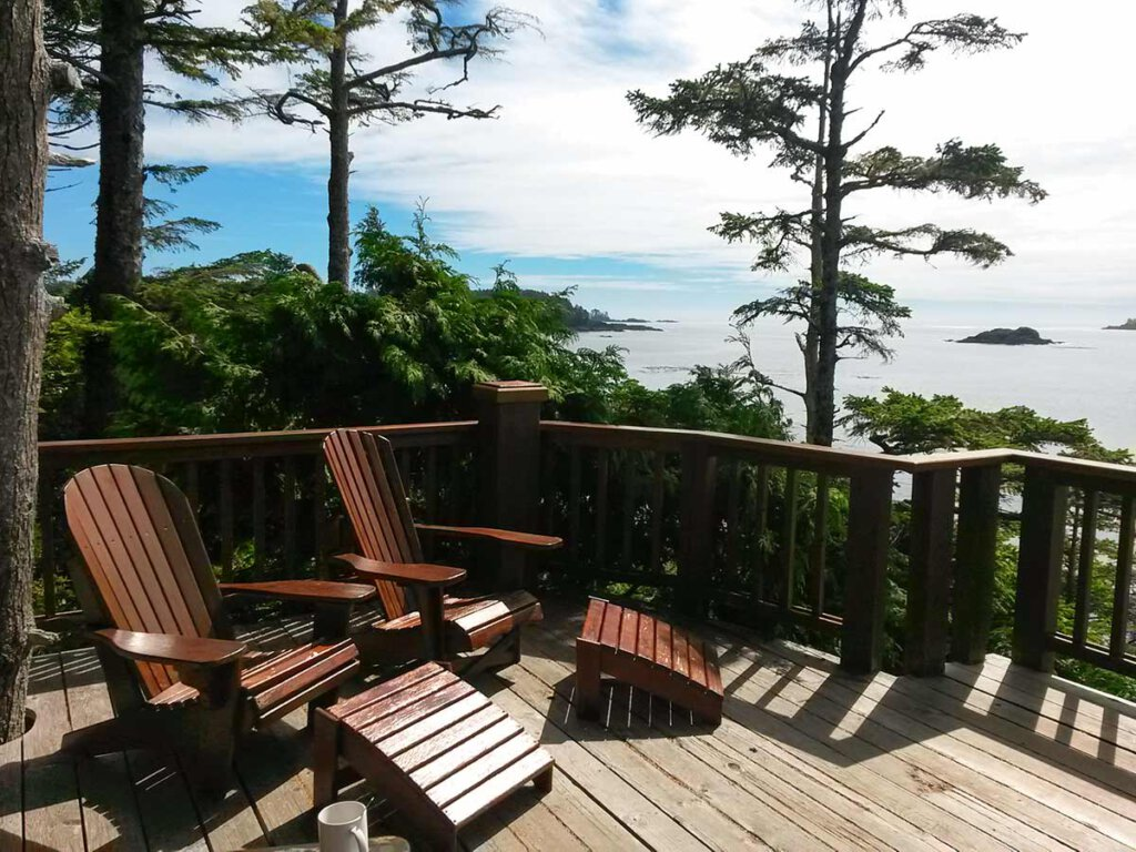 Vancouver Island: Die Terrasse der Middle Beach Lodge in Tofino