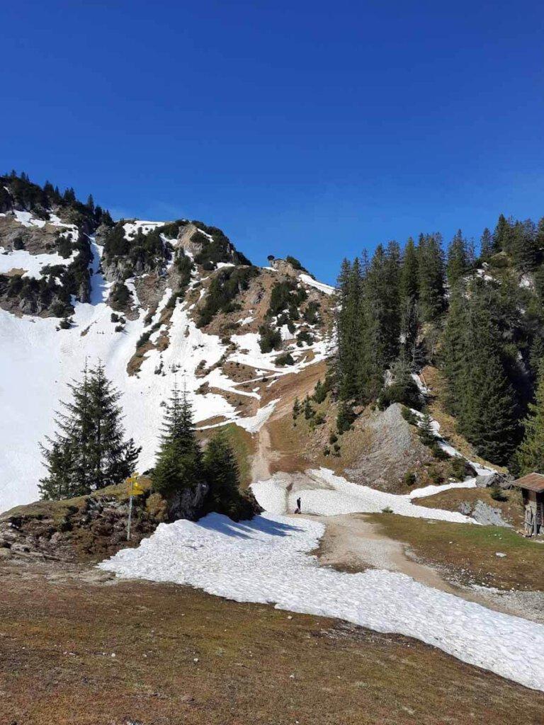 Sonnenschutz beim Urlaub in den Bergen