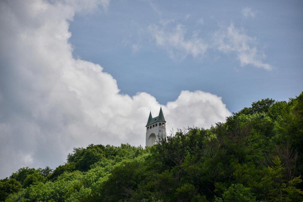 Der namensgebende Turm der hochgehtürmt Premiumwanderung auf der Schwäbischen Alb