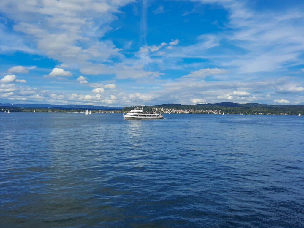 Eine der schönsten Bodensee Aktivitäten: Eine Schiffsfahrt über den Bodensee