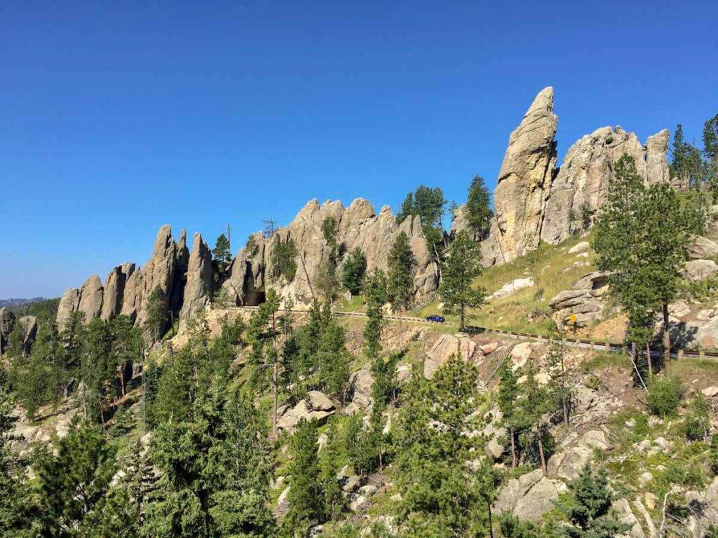 South Dakota Sehenswürdigkeiten: Grandioser Roadtrip auf dem Needles Highway im Custer State Park