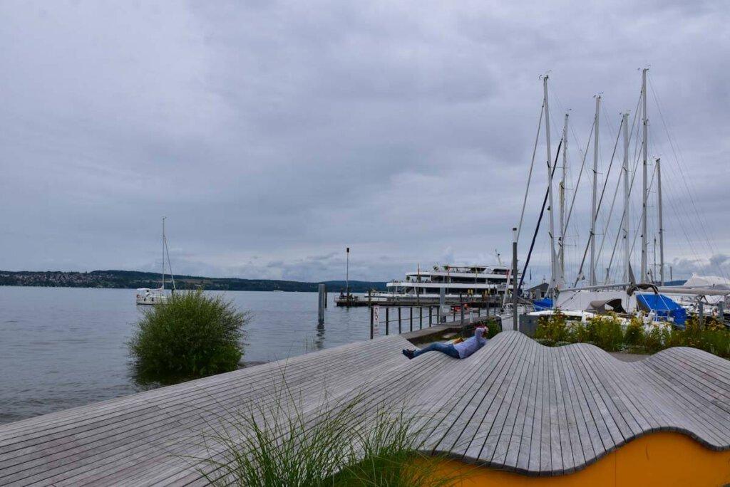 Lieblingsplatz mit Ausblick: Die Welle an der Ostmole in Uhldingen-Mühlhofen