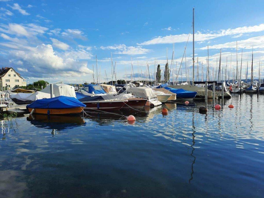 Herrlicher Sommertag im Yachthafen von Uhldingen-Mühlhofen