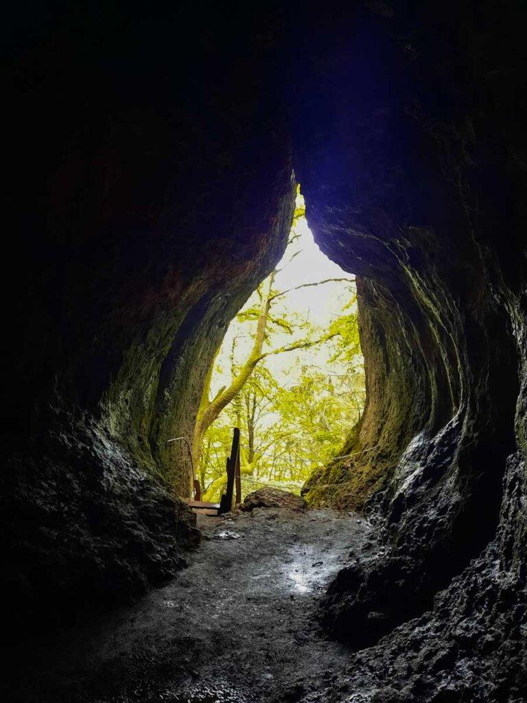 Besuch in der beeindruckenden Buchenlochhöhle in den Gerolsteiner Dolomiten