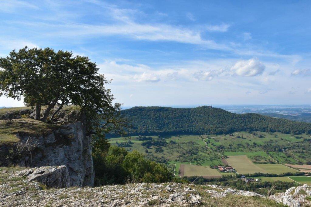 Blick vom Breitenstein bei Ochsenwang zur Burg Teck