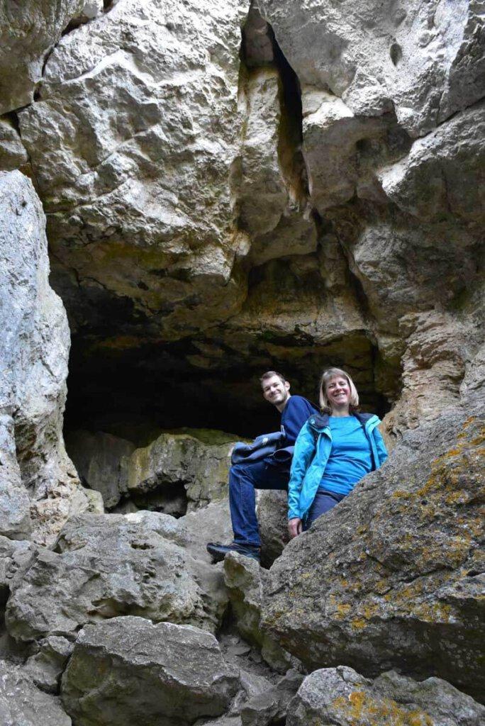 Einstieg zur Sibyllenhöhle unterhalb der Burg Teck